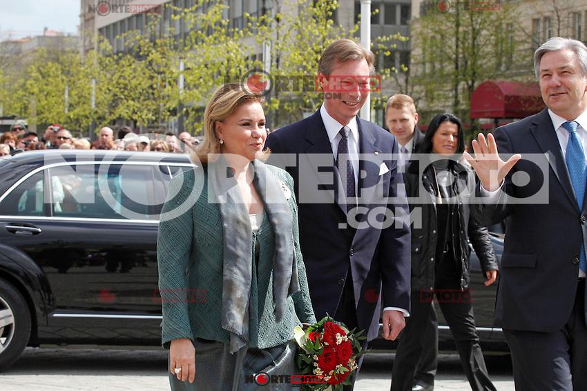 El Gran Duque Enrique y Mar&iacute;a Teresa, Gran Duquesa de Luxemburgo recibi&oacute; por el alcalde Klaus Wowereit, en la Puerta de Brandenburgo, Berl&iacute;n, 23.04.2012.<br /> (Foto:&copy;*Stocki/Cara*a*Cara/Mediapunchi/NortePhoto.com *) <br /> ** SOLO * VENTA * EN M&Eacute;XICO * **