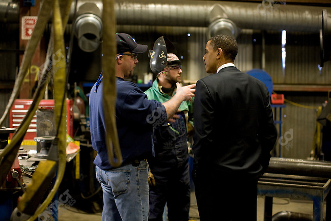 Senator Barack Obama, Democratic presidential candidate, talks to workers at Mckinstry Company during a campaign stop, Seattle, Washington, February 7, 2008.