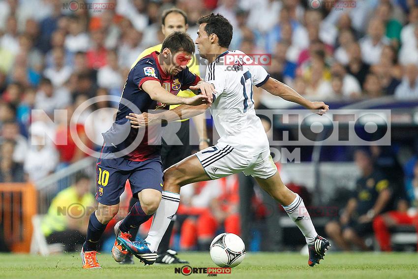 Real Madrid's Alvaro Arbeloa and F.C. Barcelona's Lionel Messi during Spanish Supercup 2nd match on august 29 2012...Photo: Cesar Cebolla / ALFAQUI /NortePhoto.com<br /> <br /> **CREDITO*OBLIGATORIO** <br /> *No*Venta*A*Terceros*<br /> *No*Sale*So*third*<br /> *** No*Se*Permite*Hacer*Archivo**<br /> *No*Sale*So*third*
