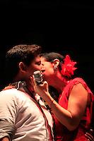 Susana Zabaleta besa a un fan durante las Fiestas del Pitic 2013,en Hermosillo el 30 de Mayo del 2013.<br /> &copy;NortePhoto