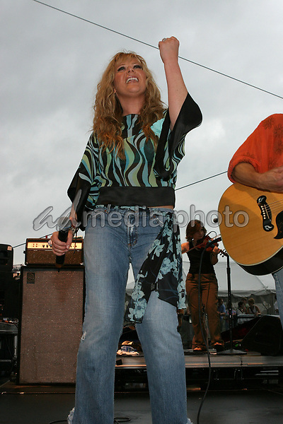June 12th, 2004:  Nashville, TN, USA: CMA Music Festival Convention RiverFront Stages Day 3.  Jamie O'Neal Performs.  Mandatory Photo Credit:  Ferguson/Admedia (c) Kevin Ferguson/2004