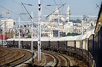 Venice Simplon-Orient-Express passing Sacré Coeur while entering the city at Gare de l?Est.