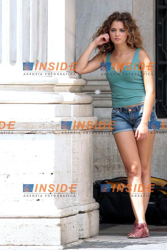 Miss Italia Giusy Buscemi durante le riprese<br /> Roma 26/06/2013 Piazza Colonna. Primo giorno di riprese per il video della canzone 'Inno' di Gianna Nannini.<br /> Photo Samantha Zucchi Insidefoto