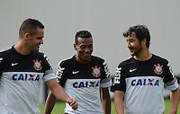 SÃO PAULO,SP, 27 Junho 2013 -  Renato Augusto , edenilson e Douglas durante treino do Corinthians no CT Joaquim Grava na zona leste de Sao Paulo, onde o time se prepara  para para enfrenta o Sao Paulo pelas finais da Recopa . FOTO ALAN MORICI - BRAZIL FOTO PRESS