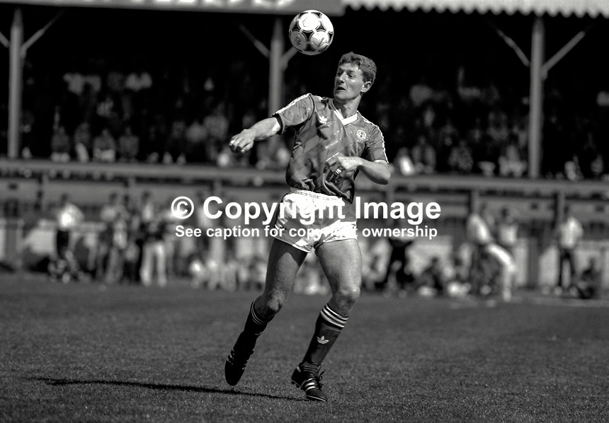 Nigel Worthington, footballer, N Ireland & Sheffield Wednesday, 19880305NW5..Copyright Image from Victor Patterson, 54 Dorchester Park, Belfast, UK, BT9 6RJ..Tel: +44 28 9066 1296.Mob: +44 7802 353836.Voicemail +44 20 8816 7153.Skype: victorpattersonbelfast.Email: victorpatterson@me.com.Email: victorpatterson@ireland.com (back-up)..IMPORTANT: If you wish to use this image or any other of my images please go to www.victorpatterson.com and click on the Terms & Conditions. Then contact me by email or phone with the reference number(s) of the image(s) concerned.