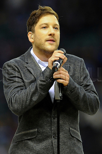 27.12.2010 Aviva Premiership Rugby from Twickenham. Harlequins v London Irish. 2010 X-Factor winner Matt Cardle performs before kick off at Twickenham