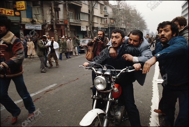 Evacuation of the wounded from 24 of Esfand Square..Tehran, December 27, 1978