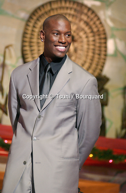 Tyrese performing at the 2001 Soul Train Christmas Starfest, in Santa Monica Auditorium in Los Angeles. November 20, 2001.          -            Tyrese02A.jpg