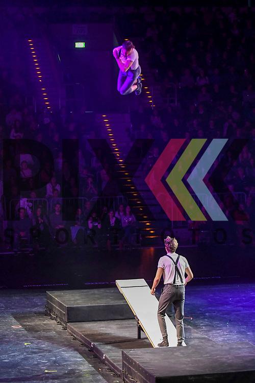 """Lukas & Aaron Schleuderbrett bei der Turn Gala """"Celebration"""" in der SAP Arena Mannheim.<br /> <br /> Foto © Ruffler *** Foto ist honorarpflichtig! *** Auf Anfrage in hoeherer Qualitaet/Aufloesung. Belegexemplar erbeten. Veroeffentlichung ausschliesslich fuer journalistisch-publizistische Zwecke. For editorial use only."""