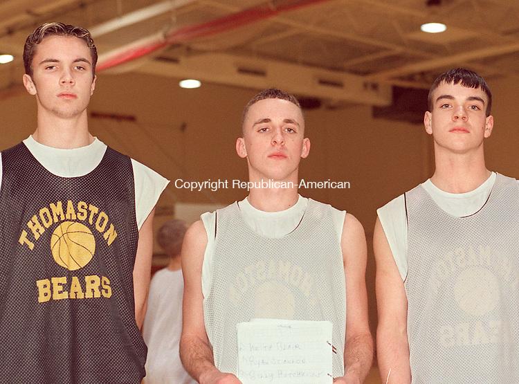 THOMASTON, CT 12/16/98 --1216JH10.tif--Thomaston basketball players, from left: Keith Blair, Ryan Scanlon, and Billy Hotchkiss. JOHN HARVEY staff photo STANDALONE PHOTO.