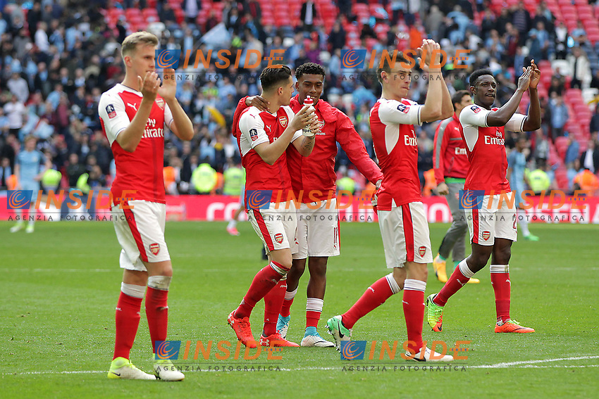 Joie Arsenal celebrate after the FA Cup Semi Final<br /> London 23/04/2017 <br /> Arsenal vs Manchester City - FA Cup Semi Final <br /> Foto Darren Staples/PHCImages / Panoramic/Insidefoto <br /> ITALY ONLY
