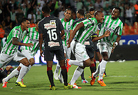 MEDELLÍN -COLOMBIA-21-05-2014. Alexis Henriquez (Segundo Der-Izq) de Atlético Nacional celebra un gol anotado a Atlético Junior durante partido de vuelta por la final de la Liga Postobón I 2014 jugado en el estadio Atanasio Girardot de la ciudad de Medellín./ Atletico Nacional Player Alexis Henriquez (Second from R) celebrates a goal scored to Atletico Junior during the second leg match for the final of the Postobon League I 2014 at Atanasio Girardot stadium in Medellin city. Photo: VizzorImage / Felipe Caicedo / Staff