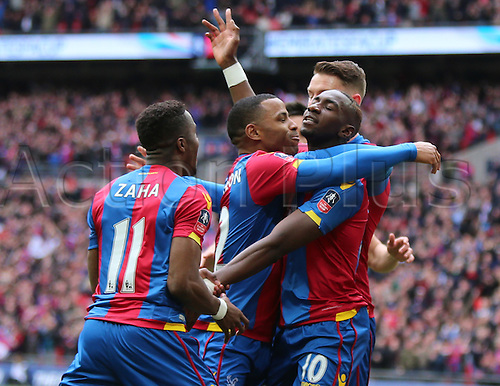 23.04.2016. Wembley Stadium, London, England. Emirates FA Cup Semi Final. Crystal Palace versus Watford. Yannick Bolasie scores the games first goal and ceebrates his  header with team mates