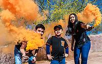 Pumps Smoke, smoke, colored smoke, Naranjeros,<br /> bombas de Humo, humo, humo de colores, Naranjeros