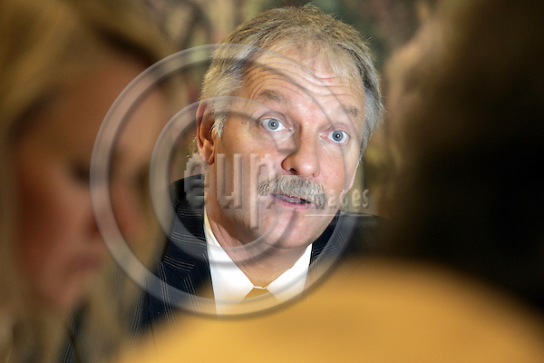BRUSSELS - BELGIUM - 30 NOVEMBER 2005 -- Odd ERIKSEN the Norwegian Minister of Trade and Industry durin his press conference.   -- PHOTO: JUHA ROININEN / EUP-IMAGES