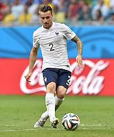 FUSSBALL WM 2014  VORRUNDE    GRUPPE E     Schweiz - Frankreich                   20.06.2014 Mathieu Debuchy (Frankreich) am Ball