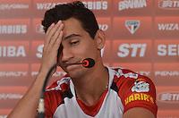 SAO PAULO, 03 DE MAIO DE 2013 - TREINO SAO PAULO - O jogador Paulo Henrique Ganso durante coletiva de imprensa, no CT da Barra Funda, na tarde desta sexta feira, 03, região oeste da capital. (FOTO: ALEXANDRE MOREIRA / BRAZIL PHOTO PRESS)