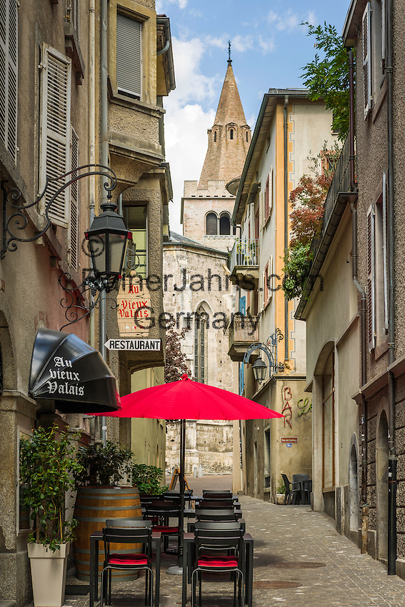 Switzerland, Canton Valais, Sion: old town lane, Rue Saint-Théodule | Schweiz, Kanton Wallis, Sion (Sitten): Altstadtgasse Rue Saint-Théodule