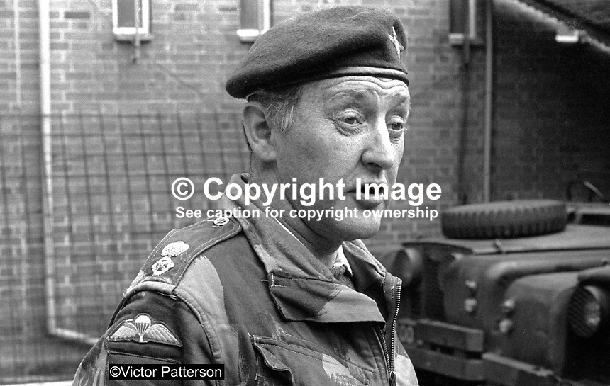 Lt Col Geoffrey Howlett, later Sir Geoffrey Howlett, commanding officer, 2 Bn Parachute Regiment, British Army, photographed whilst serving in N Ireland. 197107000262a.<br />