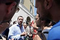 Roma, 19 Luglio 2017<br /> Matteo Salvini tra i manifestanti<br /> Vigili del Fuoco protestano a Montecitorio per chiedere assunzioni e esaurimento della graduatoria 814