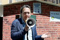 Roma, 17 Maggio 2017<br /> Angelo Bonelli.Conferenza stampa del Partito dei Verdi contro l'abusivismo e costruzione di una casetta di legno davanti al Pantheon per protestare contro la legge Blocca demolizioni abusive in discussione al Senato.