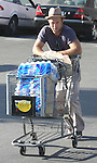 4-22-09  exc.Scott Caan leaving Ralphs supermarket in Los Angeles with a cart full of water ..AbilityFilms@yahoo.com.805-427-3519.www.AbilityFilms.com