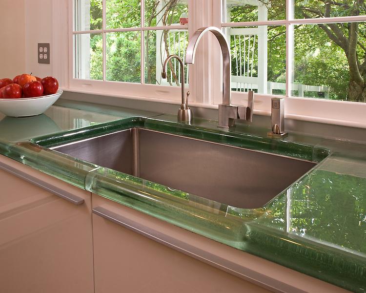 Jockimo-Green-Glass Countertop-Sink-Detail
