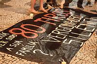 """RIO DE JANEIRO, RJ - 11-04-2019 - PROTESTO-RJ - Protesto """"Fuzilamento não é tragédia"""" pela morte do músico Evaldo Rosa dos Santos de 46, morto com 80 tiros disparados contra o carro da família do músico no ultimo domingo (7) pelo militares do Exército. Palacio Duque de Caxias, região central do Rio de janeiro. (11) (Foto: Vanessa Ataliba/Brazil Photo Press)"""