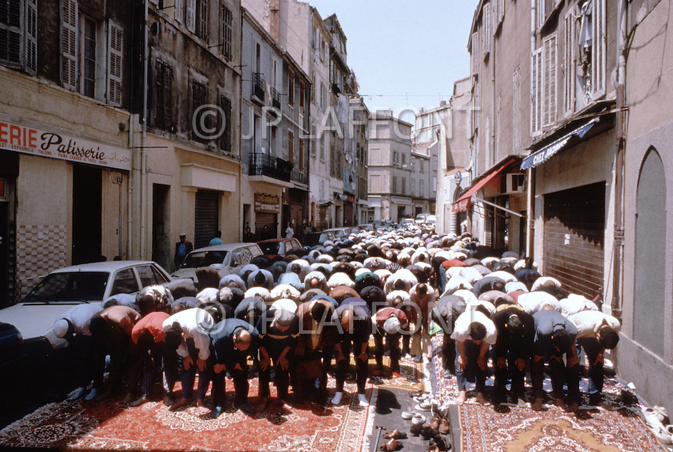 immigration in france This subject covers topics such as exile and immigration in france, immigration  policies and their direct impact on the migrant population, colonisation and.