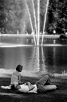 People relaxing in the Vondelpark in Amsterdam (Netherlands, 24/07/2003)