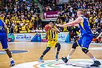 Kerron JOHNSON (#3 MHP Riesen Ludwigsburg) \Rasid MAHALBASIC (#24 EWE Baskets Oldenburg) \ beim Spiel, MHP RIESEN Ludwigsburg - EWE Baskets Oldenburg.<br /> <br /> Foto &copy; PIX-Sportfotos *** Foto ist honorarpflichtig! *** Auf Anfrage in hoeherer Qualitaet/Aufloesung. Belegexemplar erbeten. Veroeffentlichung ausschliesslich fuer journalistisch-publizistische Zwecke. For editorial use only.