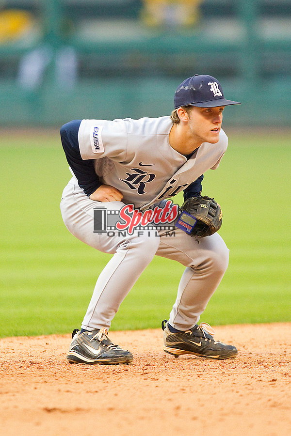 Shortstop Derek Hamilton #4 of the Rice Owls on defense against the Baylor Bears at Minute Maid Park on March 6, 2011 in Houston, Texas.  Photo by Brian Westerholt / Four Seam Images
