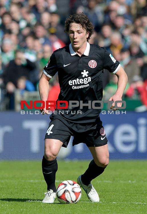 04.04.2015, Weserstadion, Bremen, GER, 1.FBL, Werder Bremen vs 1. FSV Mainz 05, im Bild Julian Baumgartlinger (Mainz #14)<br /> <br /> Foto &copy; nordphoto / Frisch