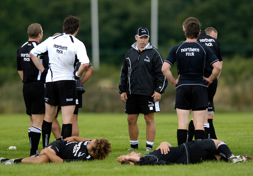 Photo: Jed Wee..Newcastle Falcons Training. Guinness Premiership. 22/08/2006...Director of Rugby John Fletcher (facing) takes training.