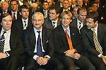Neuer Teamchef DFB <br /> J&uuml;rgen Klinsmann <br /> <br /> Foto: Vorrundenauslosung FIFA Fussball Weltmeisterschaft Deutschland 2006<br /> <br /> Guentern Netzer, Rudi Voeller, Juergen Klinsmann und Oliver Bierhoff<br /> <br /> Foto &copy; nordphoto *** Local Caption ***