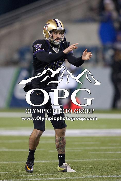 NOV 10, 2012:  Washington's Travis Coons against Utah.  Washington defeated Utah  34-15 at CenturyLink Field in Seattle, WA...