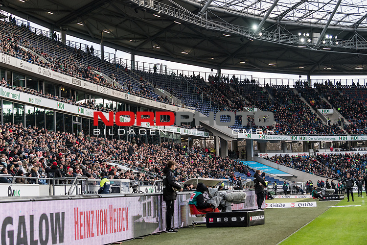 09.02.2019, HDI Arena, Hannover, GER, 1.FBL, Hannover 96 vs 1. FC Nuernberg<br /> <br /> DFL REGULATIONS PROHIBIT ANY USE OF PHOTOGRAPHS AS IMAGE SEQUENCES AND/OR QUASI-VIDEO.<br /> <br /> im Bild / picture shows<br /> Gro&szlig;e L&uuml;cken / Leere R&auml;nge beim Kellerduell, lt. offizieller Meldung kamen 33.700 Zuschauer / Fans ins Hannover 96 Stadion, <br /> <br /> Foto &copy; nordphoto / Ewert