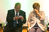 SAO BERNARDO DO CAMPO, SP, 04.12.2013 -  A Presidente Dilma Roulsseff e o Ex Presidente Lula participa solenidade de entrega do título de doutor honoris causa para o Presidente Lula Local: Bloco Beta Universidade Federal do ABC. Foto: Adriano Lima / Brazil Photo Press).