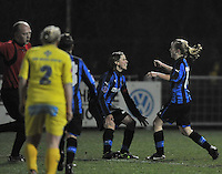 Club Brugge Dames - WB Sinaai Girls : Yana Haezebroek scoort de 1-0 voor Brugge en viert dit met Angelique De Wulf.foto DAVID CATRY / Vrouwenteam.be