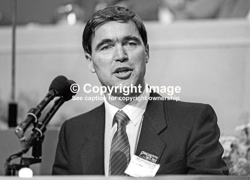 Bill Jordan, president, AEU, Amalgamated Engineering Union, UK, at annual conference, TUC, Trades Union Congress. 19860908BJ2<br />