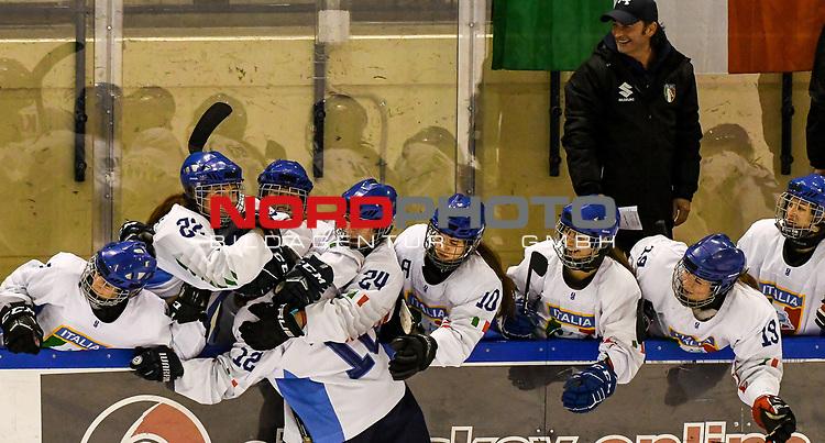 09.01.2020, BLZ Arena, Füssen / Fuessen, GER, IIHF Ice Hockey U18 Women's World Championship DIV I Group A, <br /> Ungarn (HUN) vs Italien (ITA), <br /> im Bild grenzenloser Jubel nachdem Alessia Labruna (ITA, #12) den ersten Treffer fuer Italien im Shot-Out erzielt hat<br /> <br /> Foto © nordphoto / Hafner