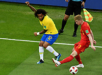KAZAN - RUSIA, 06-07-2018: MARCELO (Izq) jugador de Brasil disputa el balón con Kevin DE BRUYNE (Der) jugador de Bélgica durante partido de cuartos de final por la Copa Mundial de la FIFA Rusia 2018 jugado en el estadio Kazan Arena en Kazán, Rusia. / MARCELO (L) player of Brazil fights the ball with Kevin DE BRUYNE (R) player of Belgium during match of quarter final for the FIFA World Cup Russia 2018 played at Kazan Arena stadium in Kazan, Russia. Photo: VizzorImage / Julian Medina / Cont