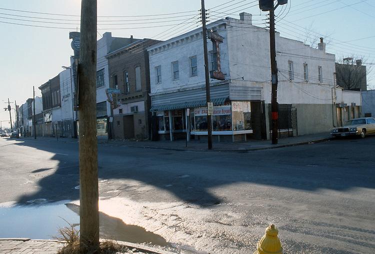1982 January 05..Redevelopment.Church Street..CORNER OF OLNEY ROAD & CHURCH STREET.BEFORE...NEG#.NRHA#..