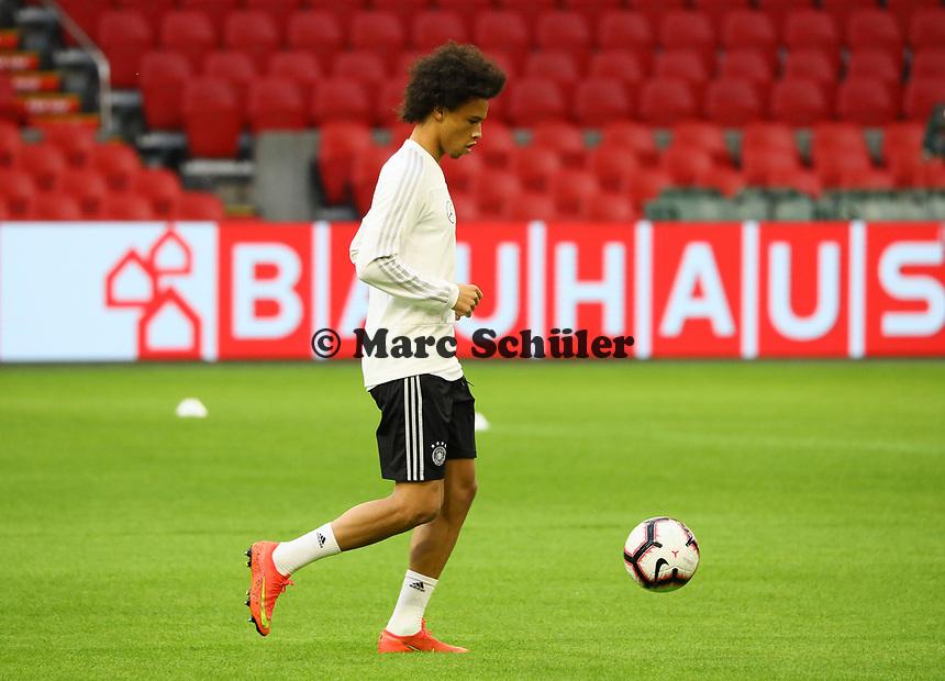 Leroy Sane (Deutschland Germany) - 12.10.2018: Abschlusstraining der Deutschen Nationalmannschaft vor dem UEFA Nations League Spiel gegen die Niederlande
