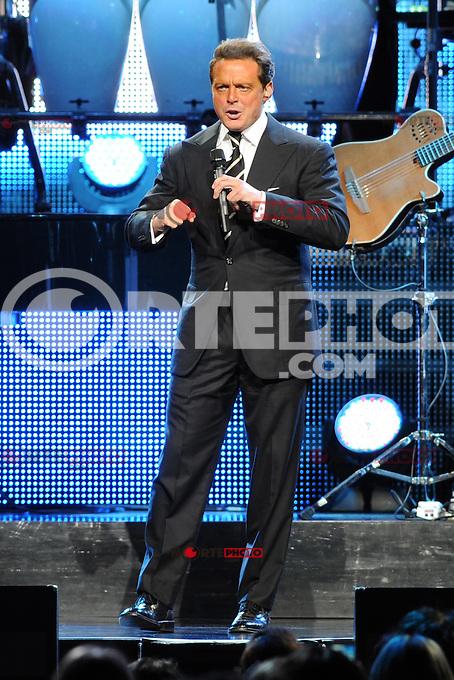 19*mayo*2012*MIAMI*FL*Luis Miguel lleva a cabo en el American Airlines Arena en Miami, Florida. (Foto©MPI04*Mediaperforación/NortePhoto.com)