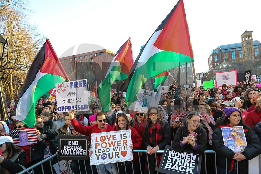 NEW YORK, NY, 08.03.2017 - DIA-MULHER - Marcha no dia internacional da Mulher na Praça Washington Square em Manhattan na cidade de New York nesta quarta-feira, 08. (Foto: Vanessa Carvalho/Brazil Photo Press)