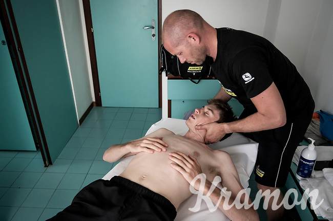 physiotherapist Dan Guillemette working on Mitchelton-Scott rider Lucas Hamilton (AUS) in the team hotel during restday 1 (20 may) of the 102nd Giro d'Italia 2019<br /> <br /> ©kramon