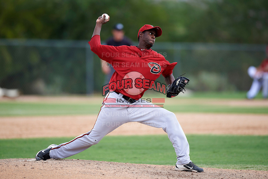Arizona Diamondbacks minor league pitcher Willy Paredes #27 during an instructional league game against the Oakland Athletics at the Papago Park Baseball Complex on October 11, 2012 in Phoenix, Arizona.  (Mike Janes/Four Seam Images)