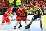 Veszpr&eacute;ms Kentin Mah&eacute; (Nr.35) und Veszpr&eacute;ms Andreas Nilsson (Nr.18) gegen Rhein Neckar Loewe Jannik Kohlbacher (Nr.80)  und Rhein Neckar Loewe Ilija Abutovic (Nr.20)  beim Spiel in der Champions League, Telekom Veszprem - Rhein Neckar Loewen.<br /> <br /> Foto &copy; PIX-Sportfotos *** Foto ist honorarpflichtig! *** Auf Anfrage in hoeherer Qualitaet/Aufloesung. Belegexemplar erbeten. Veroeffentlichung ausschliesslich fuer journalistisch-publizistische Zwecke. For editorial use only.