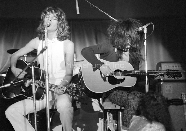The New York Dolls at Biba's Rainbow Room restaurant on Monday 26 November 1973  Credit: Ian Dickson/MediaPunch